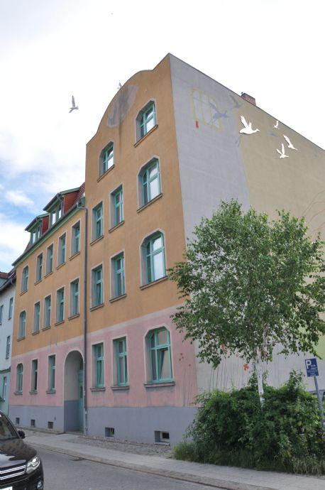 Moderne 2-Zimmer-Altbauwohnung in zentraler Lage + PKW möglich
