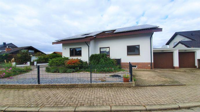Schickes freistehendes 1-3 Familienhaus in bevorzugter Wohnlage von St.Leon