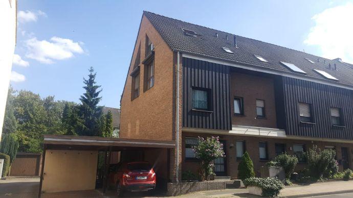 Großzügiges Reihenendhaus in guter Wohnlage in in Essen-Borbeck!