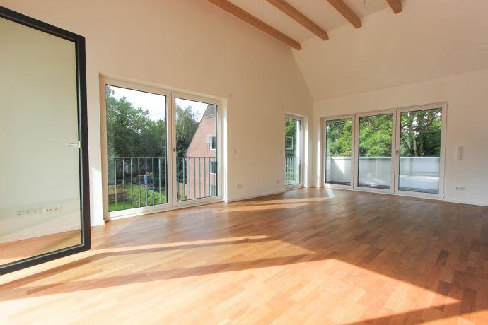 Sonnige 3-Zimmer-Wohnung mit offener EBK und zwei Dachterrassen
