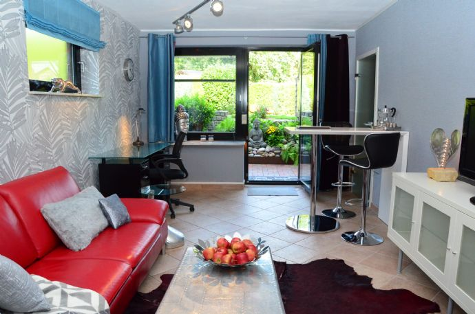 Zentrale, möblierte 2-Zimmer-Wohnung von privat auf Zeit zu vermieten