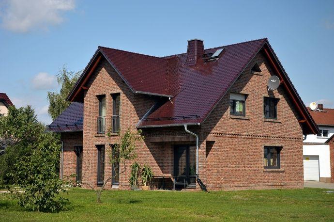 Stilvolles Landhaus auf großem Grundstück - Neubau