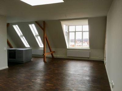 Charmante 5-Zimmer Dachloft, hochwertig saniert sucht Bewohner