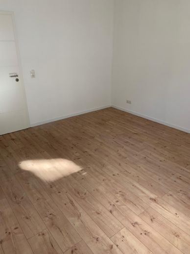Wohnung mit Balkon im 1. Obergeschoss