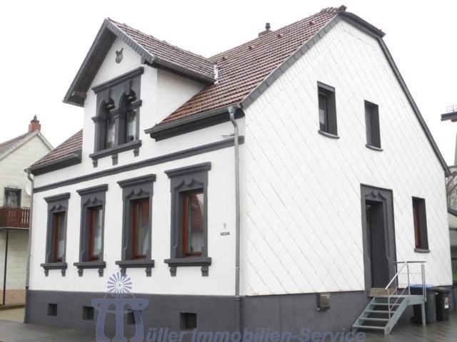 Stilvolles freistehendes Einfamilienhaus in Homburg