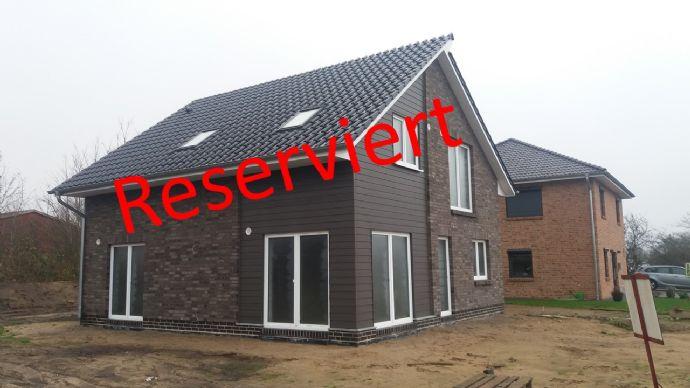 Versetztes Pultdachhaus als Ausbauhaus im Wohnpark-Rüsdörp