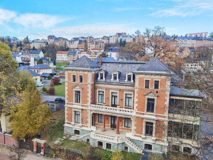 Zentral gelegene lichtdurchflutete 3-Raum-Wohnung in Greiz zu vermieten!
