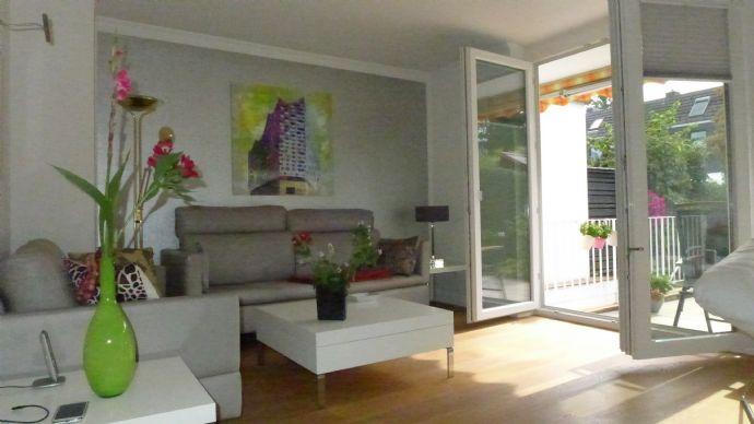 Gepflegtes RHH mit sonnigem Süd-Garten und Ausbaureserve im Spitzboden