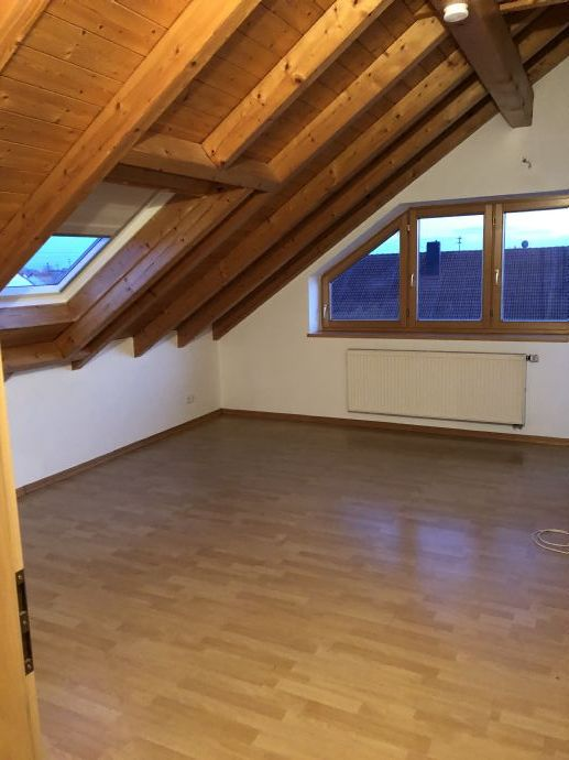 Schöne 3 ZDG-Wohnung in der 2. Etage mit Balkon!