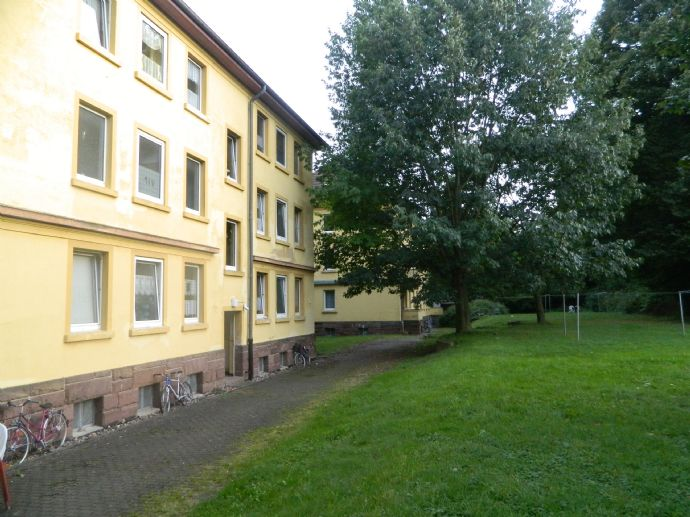 ***Lust auf eine Altbauwohnung?*** 5 ZKB mit Balkon** - super Miete - tolle Lage - WG geeignet!!!!