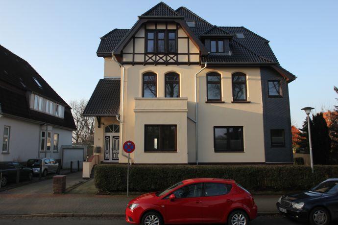 Gemütliche 1-Zimmer-Wohnung in Altbauvilla