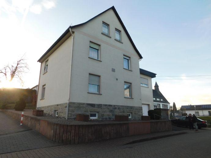 Großzügiges Einfamilienhaus in Mogendorf