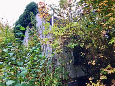 Bauen Sie Ihr Traumhaus mit großem Garten! Großes Grundstück mit Abbruchdoppelhaushäfte am grünen Stadtrand von Hamburg