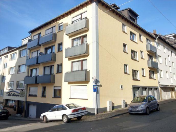 Modernisierte helle 3,5-Zimmer DG-Wohnung, EBK und Tiefgarage