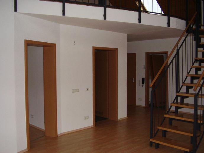 Wunderschöne Maisonette 3,5-Raum-Wohnung, Sickenhofen