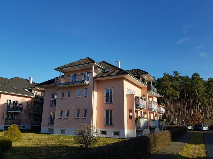Sonnige Dachgeschosswohnung mit großem Balkon und Einbauküche in Grünheide