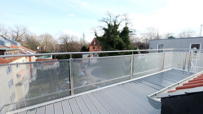 Das ist sie: Neue 94m² Dachgeschosswohnung + 22m² Studio + 12m² Freisitz!
