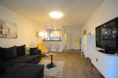 Attraktive 1-Zimmer-Wohnung mit Skyline Blick mit Balkon in Sachsenhausen möbliert zu vermieten