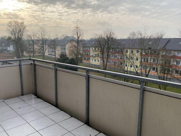 Sehr schöne 76 m² 3-Zimmer-Wohnung mit Balkon im Neuss Furth-Mitte