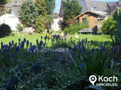 Rohdiamant! Zweifamilienhaus mit Garten und Garage im Zentrum von Baesweiler!
