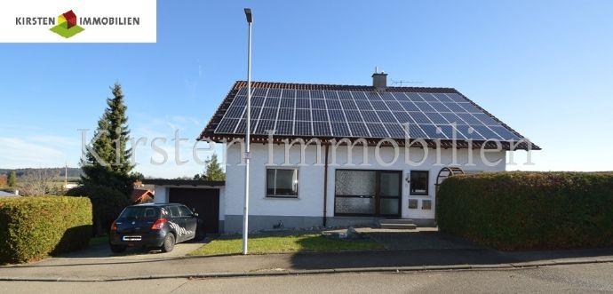 Freistehendes, gepflegtes 2-3 Familienhaus mit 2 Garagen in guter und sonniger Lage!