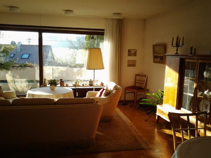 Musberg: helle 4-Zi.-Whg. mit 113 m² Balkon und Garten