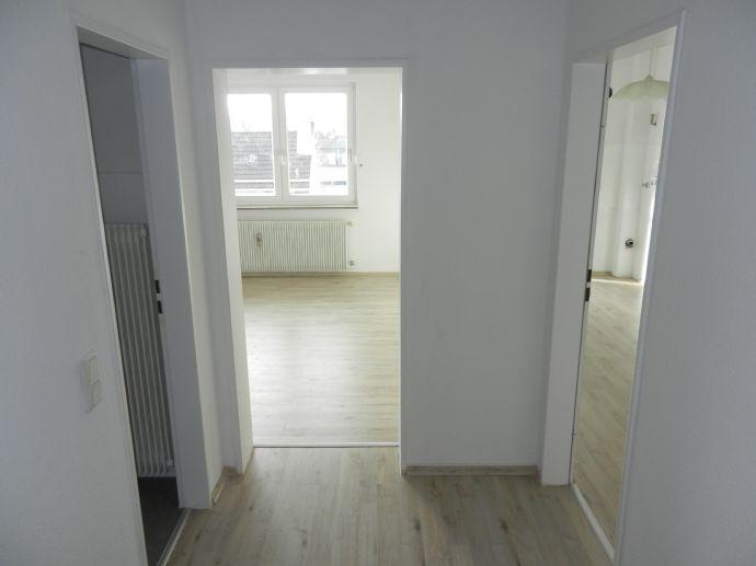 Frisch renovierte 2-Zimmerwohnung mit 2 Balkonen