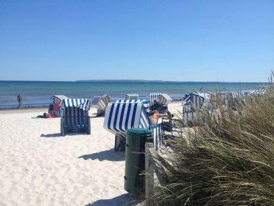 Preiswerte Erdgeschoss-Ferienwohnung in Sellin 800 m zum Strand 30 - 70 € WLAN!!!