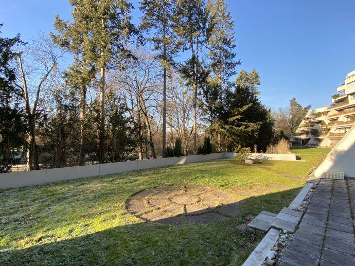 Terrassenwohnung direkt am Stadtpark mit Gartenanteil, 4,5 Zimmer