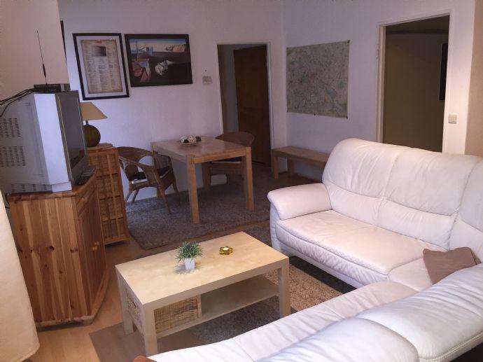 Möblierte 1-Zimmer-Wohnung mit Einbauküche und Balkon in Berlin zu vermieten