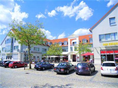 Postbauer-Heng Ladenlokale, Ladenflächen