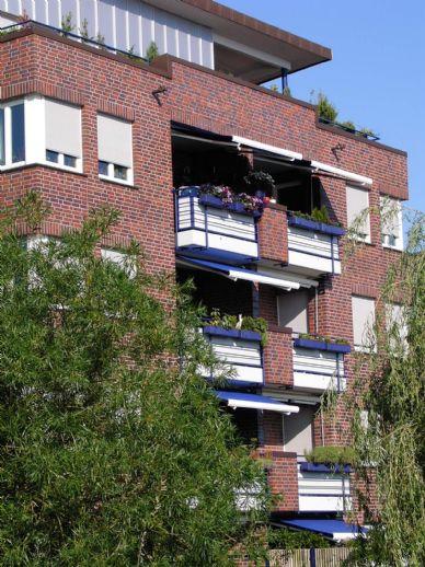 Exklusive und komfortable 3-Zi.-Neubau-Wohnung mit S/W-Terrasse