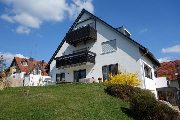 super helle Wohnung mit 83 m² und zwei Balkonen