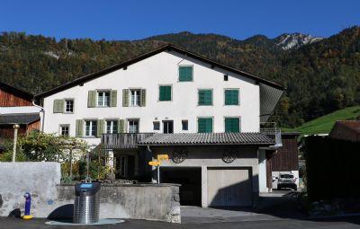 Mollis Häuser, Mollis Haus mieten