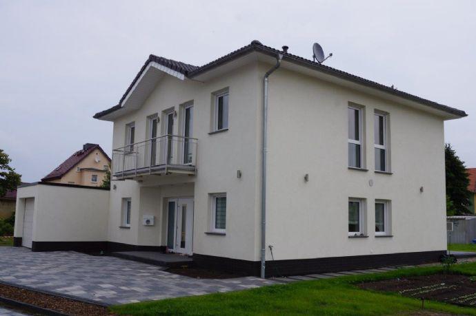 Großzügiges Wohnen...großes Haus und großes Grundstück.