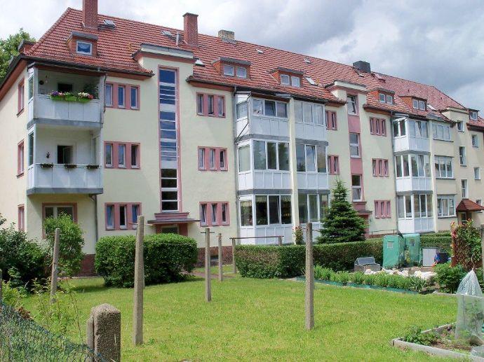 helle 2 Raum Wohnung mit Wintergarten