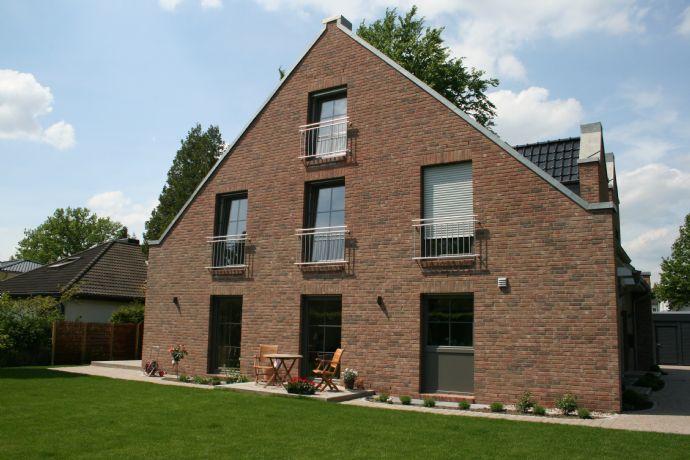 Neubau von 2 modernen Architekten-Doppelhäusern in Sasel