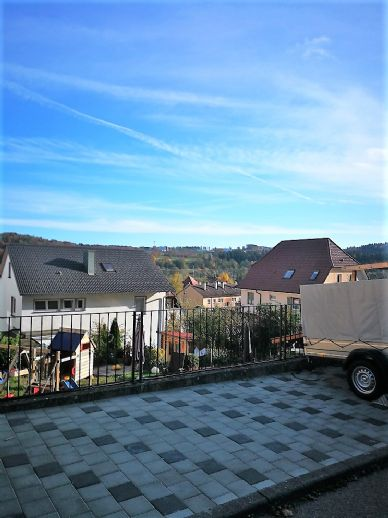 - Wohnen schön gestaltet - modernisiertes EFH mit ELW in schöner Höhenlage von Immendingen