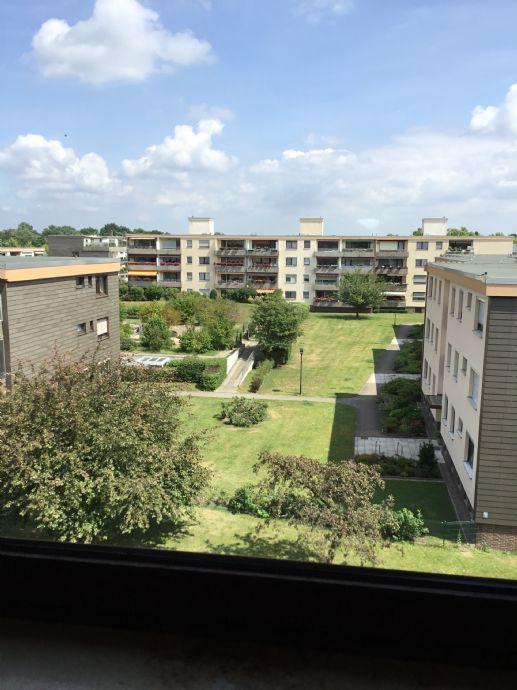 Sonnige 3 Zimmer Wohnung mit Balkon und Einbauküche