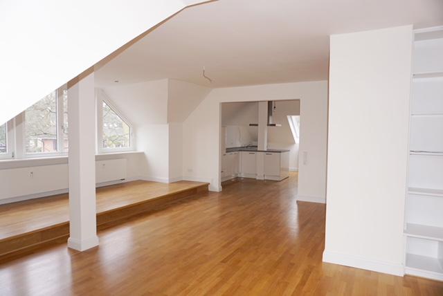 Blankenese 10 Mi. zum Elbstrand 3 Zi.WHG , neue Küche , neues Bad, Parkettboden