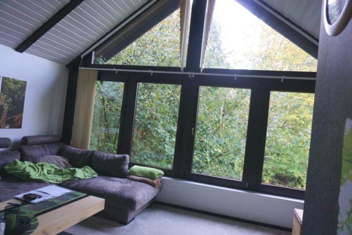 Dachgeschosswohnung inkl. EBK in zentraler Lage