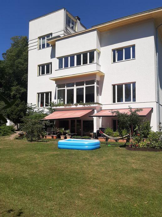 Großzügige moderne Wohnung in der Nähe des Kleinen Wannsees