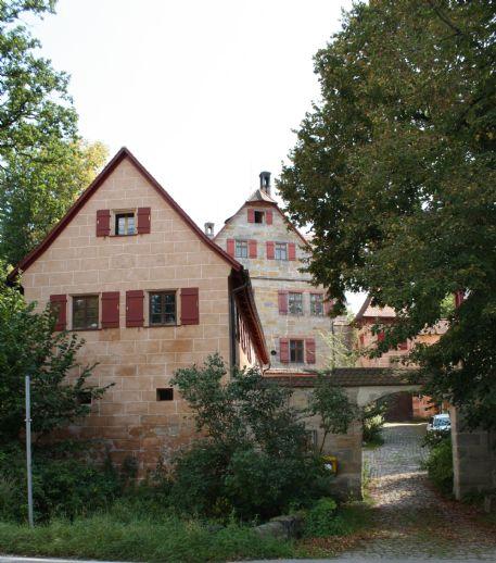 Renovierte Altbauwohnung für Liebhaber