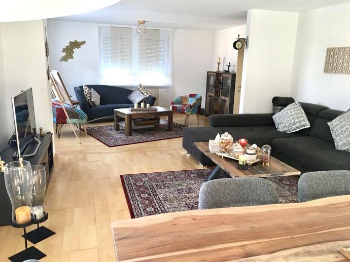 5,5 Zimmer-Wohnung mit ausgebautem Dachboden + Balkon mit Schwarzwaldblick