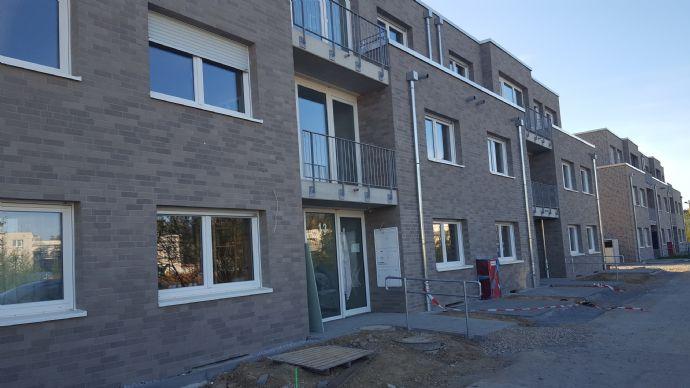 Neubau und Erstbezug, 2-Zimmer-Erdgeschosswohnung, befristete Vermietung bis Juli 2022