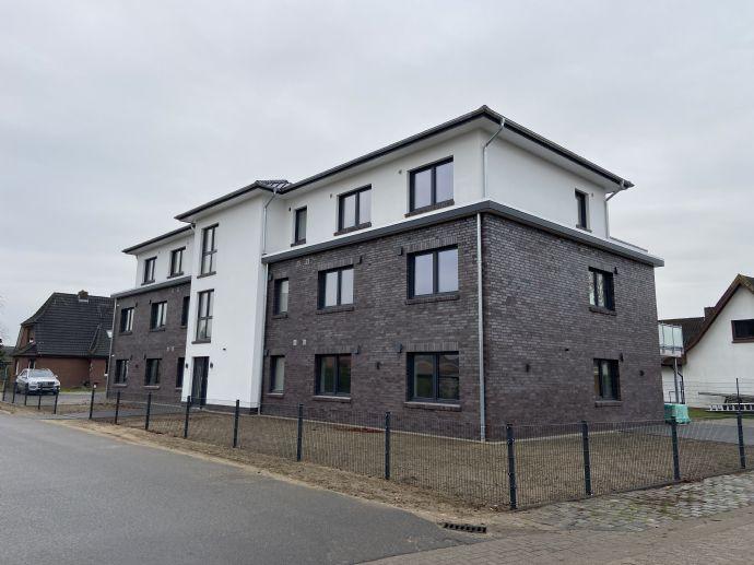 Erstbezug - moderne Neubau 3 Zimmer Penthouse-Wohnung mit Einbauküche, nach KFW 55 Standard mit Erd