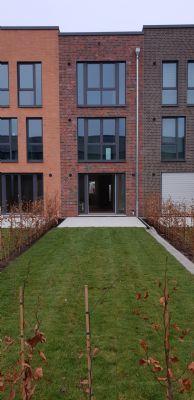 Townhouse - 5 Zimmer + Erstbezug +Carport +EBK + KFW 55 +Keller