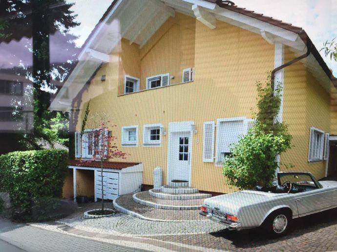 ALLES IN EINEM ? Wohntraum im Landhausstil mit separat. Büro / Souterrainwohnung; 10 min vor WI / MZ / Rheingau