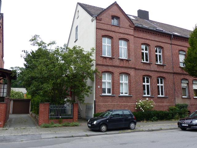 Liebhaberobjekt! Ehemaliges Steiger-Einfamilienhaus mit derzeit 3 vermieteten Wohneinheiten in ruhiger Seitenstraße von König-Ludwig!