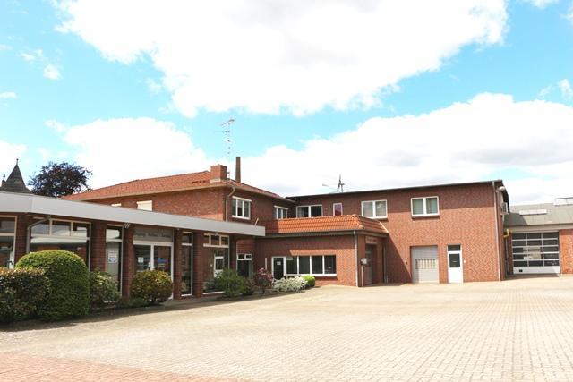Wohn- und Gewerbeobjekt auf 8.000m² Grundstücksfläche!! Mit Hallen, Werkstatt, Büro und Verkaufsraum!